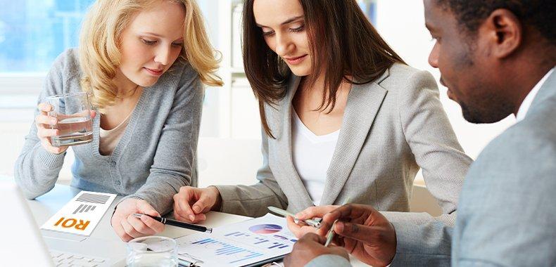 Using Marketing Analytics to Measure the ROI of Marketing Activities